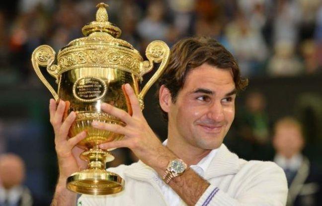 Roger Federer est redevenu le maître du tennis mondial, dimanche dans son jardin de Wimbledon, en y remportant un septième titre aux dépens du Britannique Andy Murray dans une finale accrochée où il a dû hisser son jeu à un niveau exceptionnel pour s'imposer 4-6, 7-5, 6-3, 6-4.