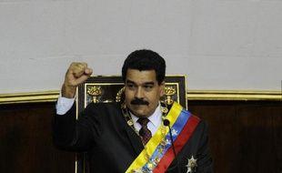 La promesse du président vénézuélien de ne pas dévaluer la monnaie locale cette année est irréalisable dans le contexte économique actuel au Venezuela, qui conjugue inflation endémique et blocage du secteur productif, estiment des analystes jeudi.