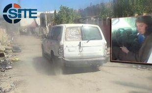 Cette image extraite le 12 mars 2015 d'une vidéo de propagande qui émanerait de Daesh montrerait en insert Jake Bilardi au volant d'une voiture utilisée dans une attaque suicide en Irak.
