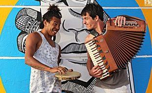 Les Brésiliens de Café Com Leite figurent parmi les invités du festival.