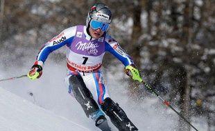 Julien Lizeroux à l'attaque dans la première manche du slalom des championnats du monde de ski à Val d'Isère, le 15 février 2009.