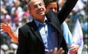Il s'agit du scrutin le plus serré de l'histoire du Mexique. Une victoire de Lopez Obrador ferait pencher un peu plus à gauche l'Amérique latine, le Brésil, l'Argentine, le Venezuela et la Bolivie étant déjà dirigés par des gouvernements de gauche ou de centre-gauche.