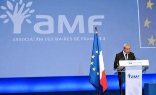 """Le Bureau de l'Association des maires de France (AMF) a demandé mercredi """"une remise à plat des modalités du financement de la réforme"""" des rythmes scolaires, """"dont le coût ne peut être supporté par les communes""""."""