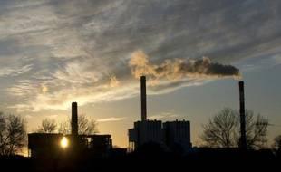 Vue en date du 13 décembre 2014 de la centrale EDF de Cordemais près de Nantes