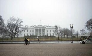 """L'imposition de nouvelles sanctions contre l'Iran par le Congrès américain alors que des négociations sont engagées sur son programme nucléaire """"tuerait"""" toute perspective d'accord avec Téhéran, selon l'ancien secrétaire américain à la Défense Robert Gates."""