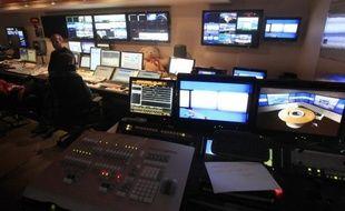 La télévision reste pour les internautes le premier vecteur d'information sur l'élection présidentielle, le web se classant deuxième, devant la radio, selon un sondage CSA effectué pour le groupe Orange et le portail d'informations Terrafemina, et publié mercredi.