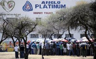 La démission annoncée vendredi de Cynthia Carroll, la patronne du géant minier Anglo American, numéro 1 mondial du platine, n'a pas surpris les initiés, alors que le groupe s'efforce de sortir d'une violente crise sociale en Afrique du Sud.