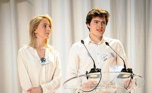 Caroline et Calixte, vainqueurs du Grand prix pour leur IceStick.