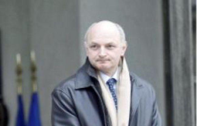 Migaud quitte l'Assemblée nationale.