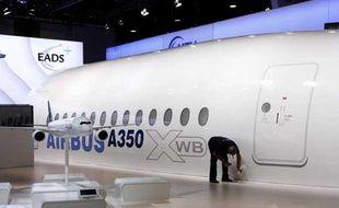L' Airbus A350 XWB au salon du Bourget près de Paris en juin 2009.