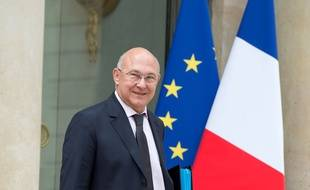 Michel Sapin le ministre du Bdget le 3 juin 2014 devant l'Elysée.