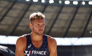 Kévin Mayer s'inquiète du manque de moyens donné au sport français.