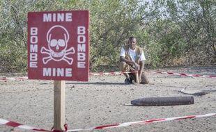 L'utilisation désormais récurrente de mines antipersonnel artisanales complique la tâche des démineurs. ici au Tchad.