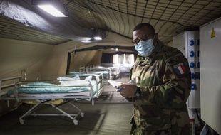 Un hôpital militaire va ouvrir sur le parking de l'hôpital Emile Muller à Mulhouse pour libérer des lits.