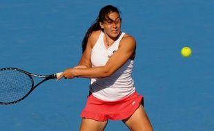 Marion Bartoli, tête de série N.8, a été éliminée par la Bélarusse Victoria Azarenka (N.3) en deux sets, 7-5, 6-4, en quarts de finale du tournoi WTA de Sydney, disputés mercredi.