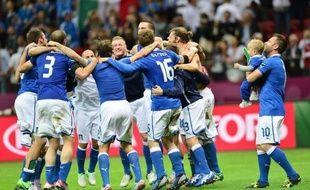 L'Italie s'est qualifiée jeudi pour la finale de l'Euro-2012 dimanche à Kiev où elle retrouvera l'Espagne, qu'elle connaît bien après un quart de finale remporté par la Roja à l'Euro-2008 et un match de groupe (1-1) dans le tournoi ukraino-polonais le 10 juin dernier.