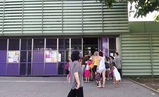 A l'école Marcelle Cahn, la température baisse rarement la nuit, lorsque les fortes chaleurs s'invitent.