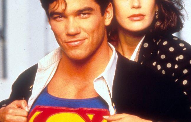 Dean Cain et Teri Hatcher dans Loïs et Clark : Les Nouvelles Aventures de Superman.