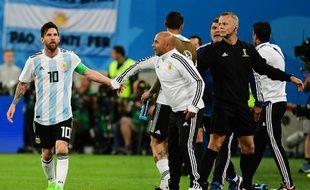 Lionel Messi et Jorge Sampaoli, lors du match entre l'Argentine et le Nigéria.