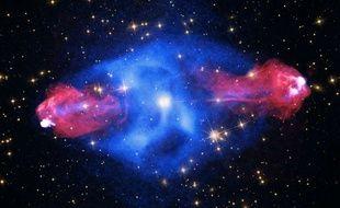 Un trou noir est un objet céleste invisible d'une gravité si forte que rien à l'intérieur ne peut s'en échapper pas même la lumière.