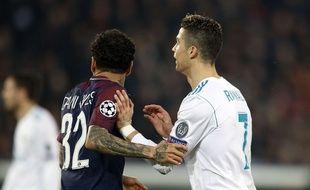 Dani Alvès et Ronaldo lors du 8e de finale retour de Ligue des champions PSG-Real Madrid, le 6 mars 2018.
