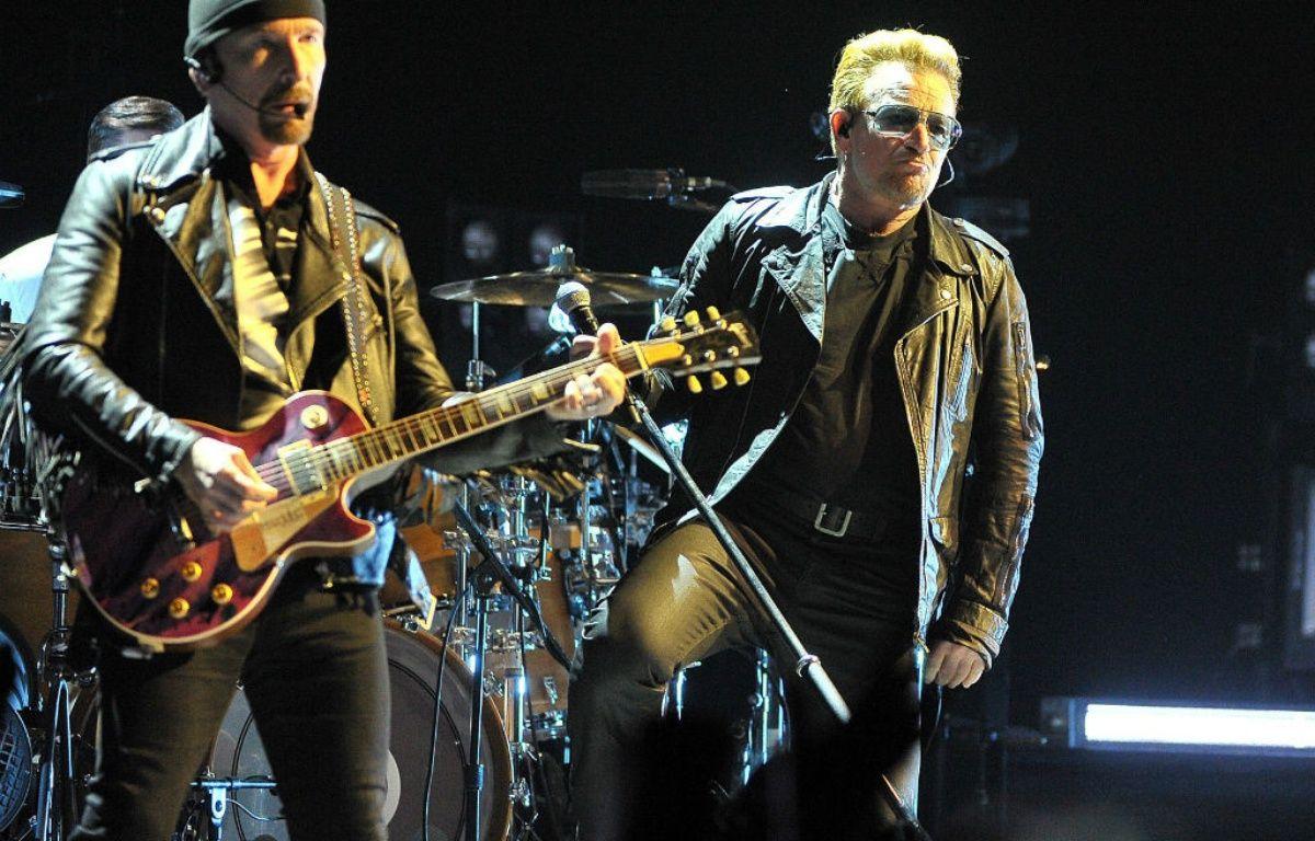 The Edge et Bono sur scène – WENN