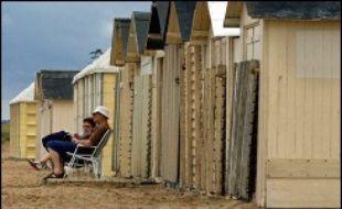 """Ils ont 75 ans en moyenne, les trois-quarts sont des femmes, et les deux-tiers ne sont pas partis en vacances depuis plusieurs années, tel est le profil des bénéficiaires du dispositif """"Vacances seniors""""."""