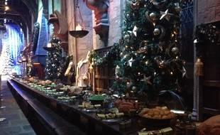 La grande salle a été décorée comme dans le film Harry Potter et la coupe de feu.