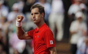 Le tennisman français Richard Gasquet, lors de sa victoire à Roland-Garros contre Tommy Haas, le 2 juin 2012.