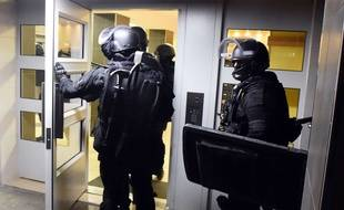 Attentats A Paris Qu Est Ce Qu Une Perquisition Administrative
