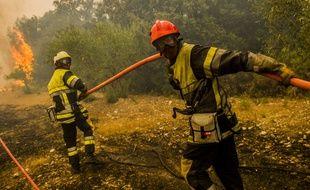 Le feu de forêt est parti près d'Aix en Provence et avait parcouru environ 750 hectares ce lundi 24 juillet 2017.