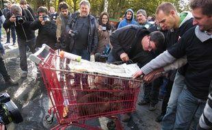 Les ragondins étaient entassés dans un caddie