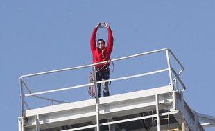 Nicolas Moreno s'est retranché en haut d'une grue Titan, sur les chantiers navals de Nantes, le 16 février 2013.