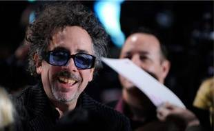 Tim Burton, président du jury du festival de Cannes, présentait Alice au pays des Merveilles, à Tokyo, le 22 mars.