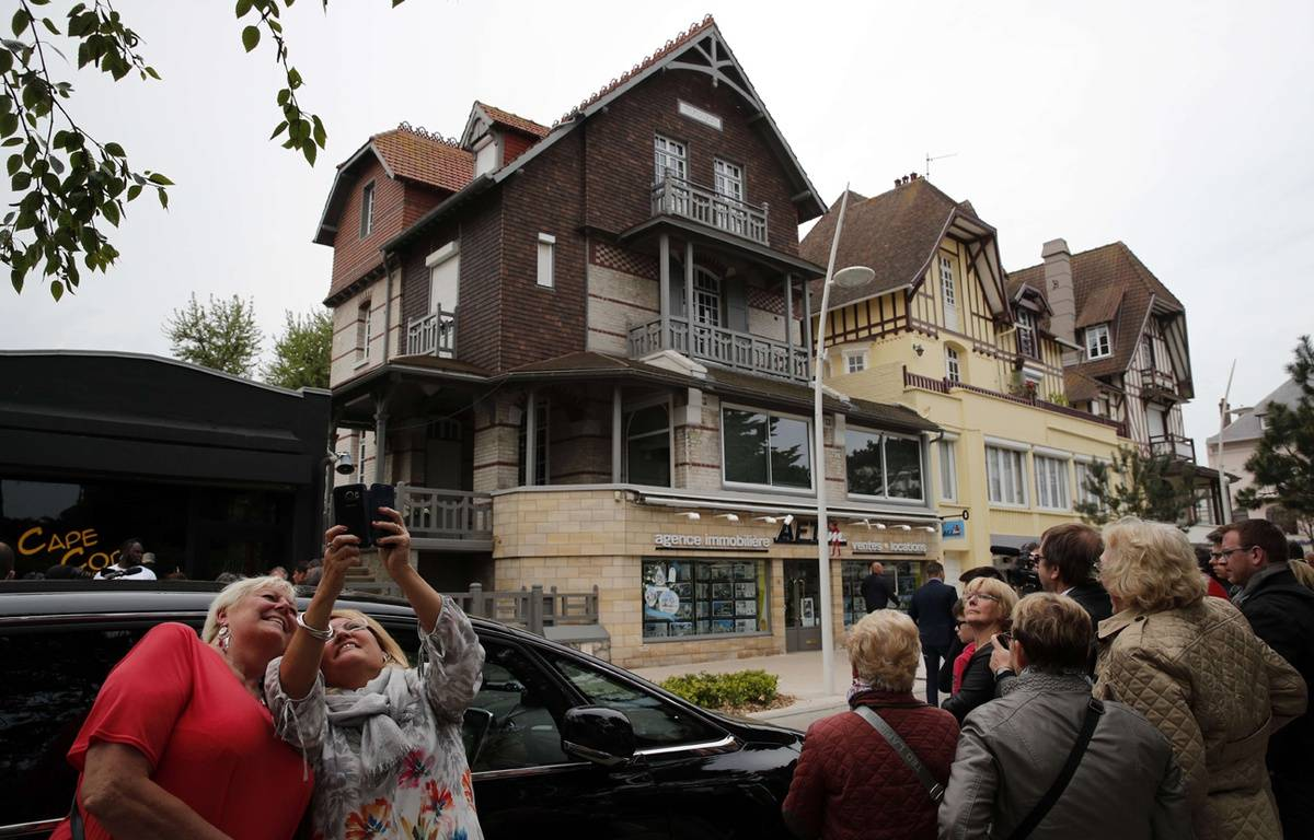 La villa dEmmanuel et Brigitte Macron (à g.) à Touquet, le 7 mai 2017 – Christophe Ena/AP/SIPA
