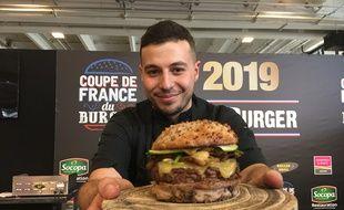 Antony Verset et son burger champion de France 2019