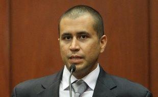 Le tueur présumé du jeune Noir américain Trayvon Martin, George Zimmerman, a été formellement accusé mardi de meurtre, après avoir renoncé à son droit à un procès rapide pour disposer de plus de temps pour préparer sa défense, selon des sources judiciaires.