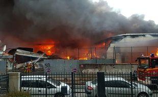 Un incendie a eu lieu à Aubervilliers le 26 mai 2019. Amine GUEDAIEM / AFP