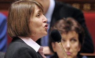 Pour déminer le terrain, Christine Albanel doit rencontrer les députés UMP mercredi en début d'après-midi.