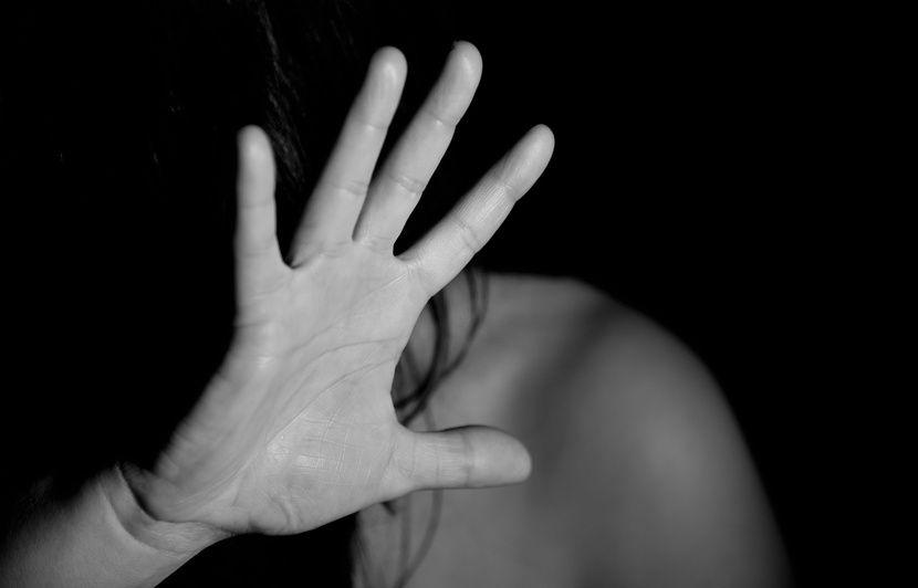 Saint-Etienne: Pour échapper aux coups de son mari, elle s'enfuit par la fenêtre avec ses deux enfants