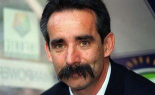 Denis Troch, l'une des moustaches les plus célèbres du sport français, ici le 26 mai 2001 au Stade de France.