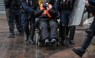 """Odile Maurin, lors de la manifestation des """"gilets jaunes"""" du 12 janvier 2019."""