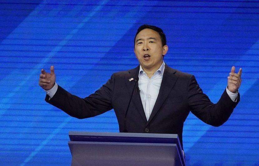 Primaire démocrate: Andrew Yang va offrir un revenu universel à dix familles avec l'argent de sa campagne