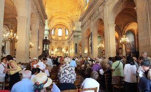 Une messe de l'Assomption dans l'église traditionnaliste Saint-Nicolas-du-Chardonnet, à Paris, en 2009.