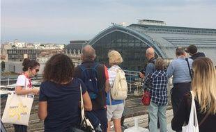 Une dizaine de personnes a participé ce mercredi à la visite de la gare Saint-Jean agrandie et rénovée récemment.
