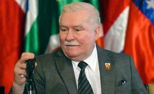 L'ancien président polonais Lech Walesa à Caracas le 18 février 2017