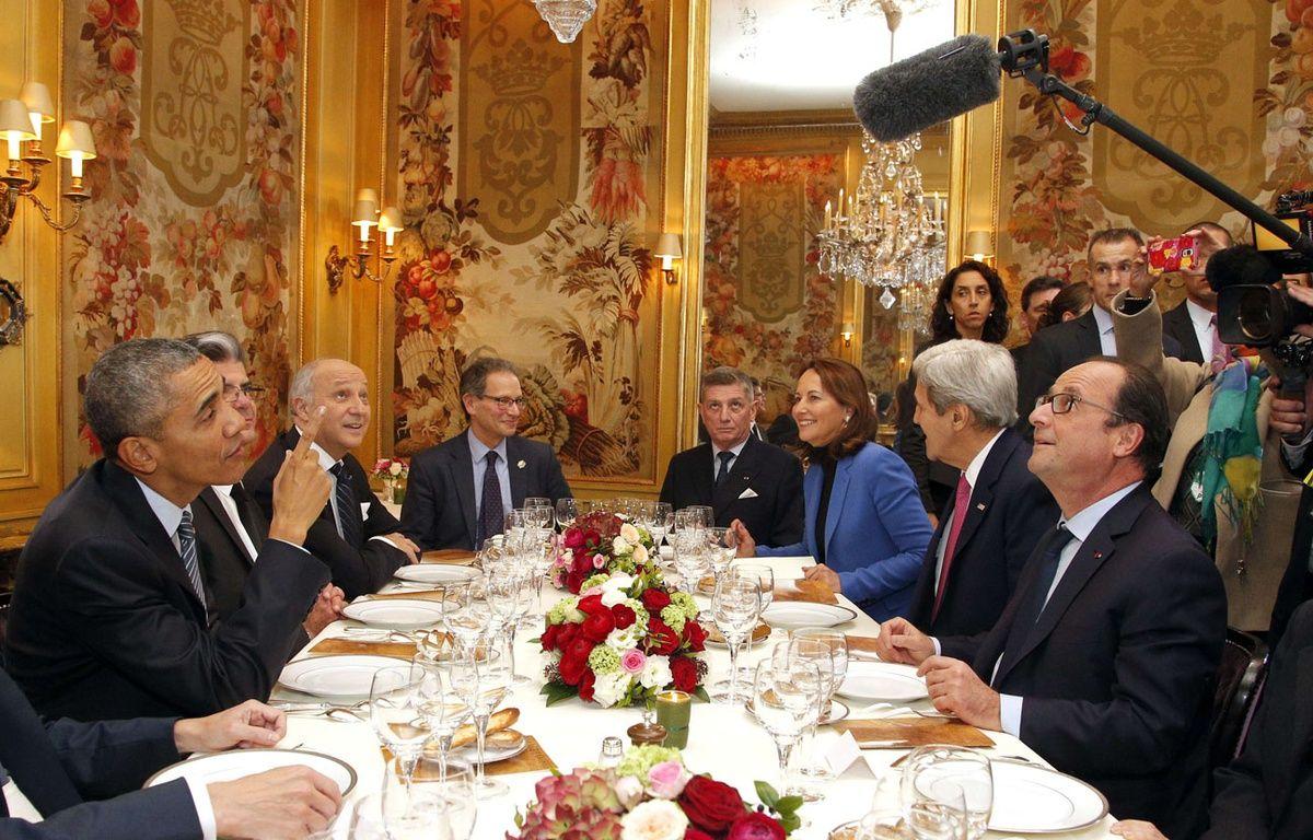 Obama et Hollande à l'Ambroisie, place des Vosges à Paris, le 30 novembre 2015. – Thibault Camus/AP/SIPA