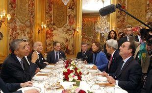 Obama et Hollande à l'Ambroisie, place des Vosges à Paris, le 30 novembre 2015.