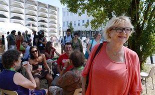Eva Joly (EELV) a jugé vendredi sur LCI possible d'être contre le nouveau traité européen tout en restant au gouvernement.