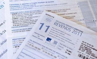 Selon Matignon, 1,3 million de ménages, parmi les plus aisés, sont concernés. Ils verront en moyenne leur impôt sur le revenu augmenter de 64 euros par mois.